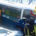 Grottaferrata. In via 4 Novembre bus Cotral fuori strada: sette persone ferite