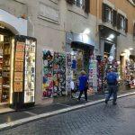Attività commerciali e artigianali nella Roma storica: novità introdotte dalla Raggi