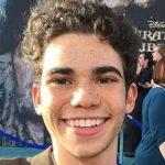 Morto a 20 anni Cameron Boyce: i ragazzini romani piangono la star di Disney Channel
