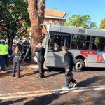 Autobus della linea 301 dell'Atac contro un albero: 29 feriti 9 sono gravi