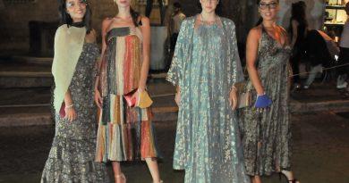 Sfilata di moda al contrario Tarquinia