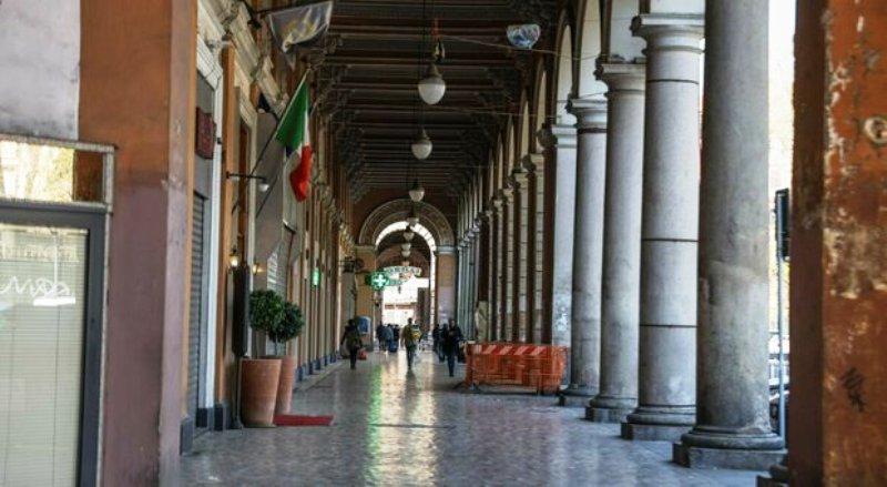 cellulari rubati in piazza Vittorio Emanuele