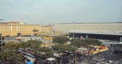 Piazza dei cinquecento Roma