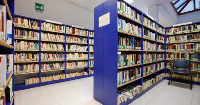 Pomezia biblioteca