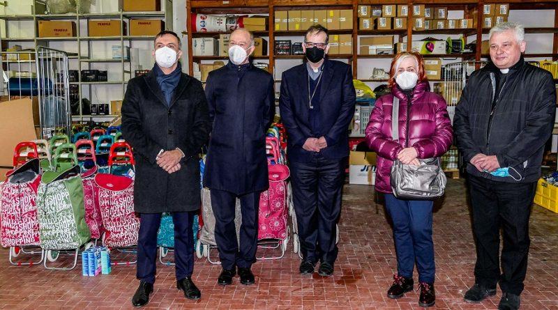 Rappresentanti Ordine Costantiniano con card. P. A. Lojodice, Grazia Passeri e il card. Konrad Krajewski