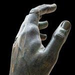 Colosso di Costantino, ricomposta la mano con dito della collezione Campana del Louvre