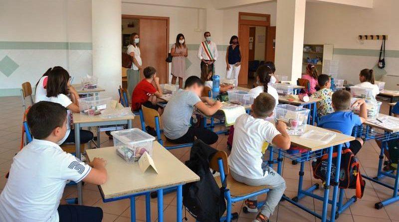 2021 primo giorno di scuola a Pomezia - ph comune