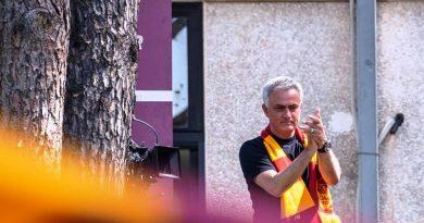 Mourinho - ph profilo ufficiale AS Roma